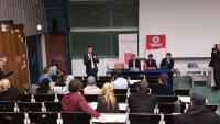 İAÜ, Köln ve Rotterdam`da panelde öğrencilerle buluştu.