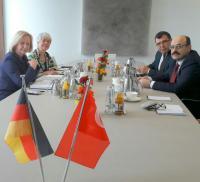 YÖK Başkanı Yekta Saraç, Almanya`da FETÖ`yü anlattı